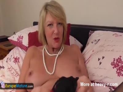 Mature Strips And Masturbates