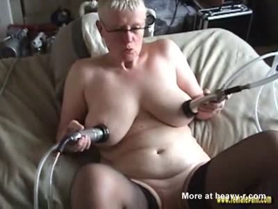 Tit Milking Machine