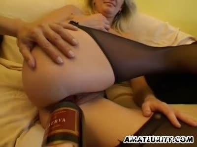 Amateur Cum Craving Blonde Slut