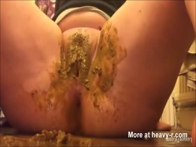 Dirty Pussy Scat Play