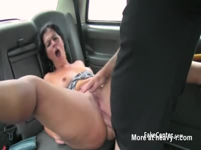Milf Gets Anal In Taxi