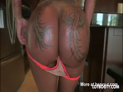 Fat butt post apocalyptic anal fuck machine Bella Bellz