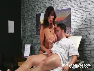 Hot sex kitten gets cum shot on her face swallowing all the
