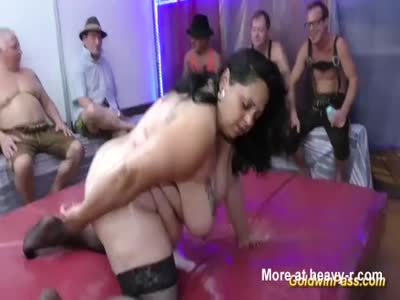 fat oiled bbw chick gets dildo fucked