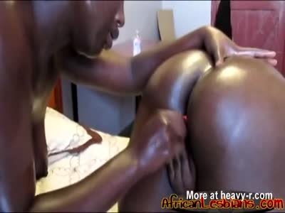 African lesbians Faida and Kali loves to play with dildo