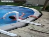 Kid Breaks Leg While Entering Pool